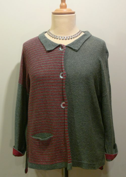 Aretha Short Jacket in sage/oldrose. Knitted in silk/lambswool. designed and made in Orkney.