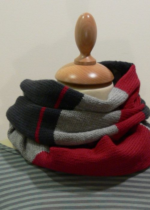 Quernstone 3 colour loop scarf knitted in 90% superfine wool, 10% cashmere.