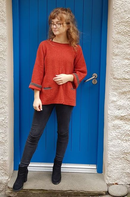 Carousel medium tunic in poppy/grey, knitted in silk/lambswool