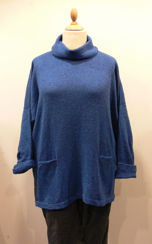 Arizona long tunic in iris, knitted in silk/lambswool